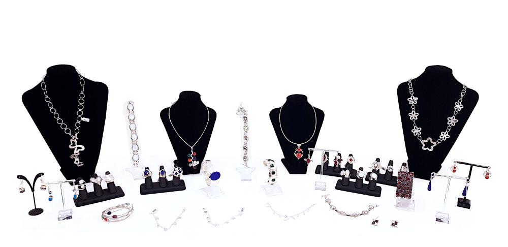 anillos, pulseras, collares, pendientes